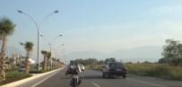 MOTOSİKLETÇİ - Motosiklet Sürücüsünün Trafikte Tehlikeli Şovu