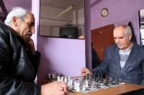 KıRAATHANE - Erzurum'daki Çay Evinde Sadece Satranç Ve Dama Oynanıyor