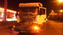 HAFRİYAT KAMYONU - Başkent'te Trafik Kazası