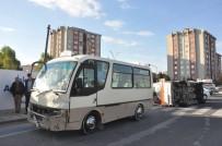 MALKOÇOĞLU - Minibüs Ambulansa Çarptı Açıklaması 6 Yaralı