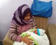 KÜÇÜKÇEKMECE BELEDİYESİ - Otobüste Doğum Yapan Suriyeli Kadına Yardım Eli