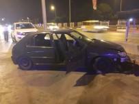 SAKIP SABANCI - Antalya'da Trafik Kazası Açıklaması 3 Yaralı