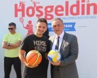 EYÜP BELEDİYESİ - Eyüp'teki Okullara Sportif Malzeme Desteği
