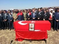ŞANLIURFA VALİSİ - Şehidin Cenazesinde Kürtçe Ağıtlar Yankılandı