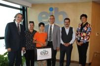 RESSAM - Küçük Ressama Şampiyonluktaki İlk Ödül EİB Başkanı Ünlütürk'ten