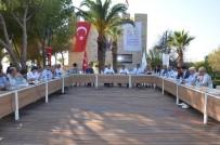 GÜZELÇAMLı - Kuşadası Belediye Meclisi Güvercinada'da Toplandı