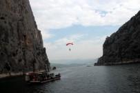 BASE JUMPİNG - Türkiye'nin En Yüksek Uçurum Atlayış Rekoru Kırıldı