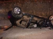 ŞAKİR YILDIZ - Araç Takla Attı Açıklaması 2 Yaralı