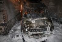 UZUNTARLA - Gece Yarısı Çıkan Yangın İtfaiyenin Müdahalesi İle Büyümeden Söndürüldü