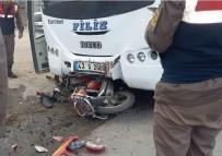 İŞÇİ SERVİSİ - Tavşanlı'da Trafik Kazası Açıklaması 1 Ölü