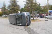 MUSTAFA YAVUZ - Tosya'da Trafik Kazası Açıklaması 1 Yaralı