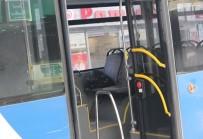 BOMBA PANİĞİ - Belediye Otobüsünde Şüpheli Paket Alarmı