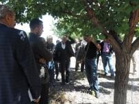 İLAÇ KALINTISI - Kale'de Çiftçi Tarla Okulları Eğitimi Yapıldı