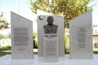 AY YıLDıZ - Pamukkale Üniversitesine Şehit Ömer Halisdemir'in Büstü Dikildi