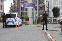 BOMBA İMHA UZMANI - İstanbul'da Şüpheli Paket Alarmı