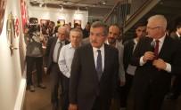 AY YıLDıZ - Zeytinburnu'nda '15 Temmuz'a Saygı' Sergisi Açıldı