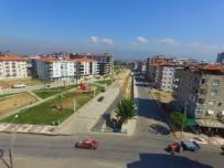 GÖKHAN KARAÇOBAN - Alaşehir'de Dere Yatağına Yaya Kaldırımı