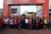 ŞÜKRÜ KARABACAK - Uluslararası Darıca Yarı Maratonu'nda Zafer Kenyalı Atletin Oldu