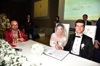 Başkan Üzülmez Genç Çiftlere Mutluluklar Diledi