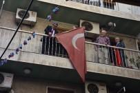 TAHAMMÜL - Belediye Başkanından Bayrak Hassasiyeti