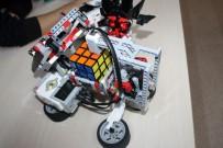 ROBOT - Bu Robot İnsan Aklı İle Yarışıyor