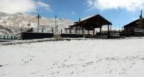 KIŞ TURİZMİ - Erciyes Kayak Merkezi'ndeki Kar Yağışı Yüzleri Güldürdü
