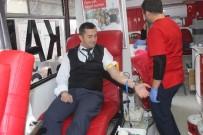 KRONİK HASTALIK - Hastane Önünde Kan Bağışı İçin Sıraya Girdiler