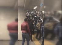 NAPOLI - İtalyan Holiganlar, Beşiktaş taraftarına saldırdı