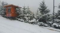 Kartepe'de Kar Kalındığı 15 Santime Ulaştı