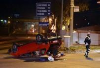 AHMET TANER KıŞLALı - Takla Atan Otomobilin Sürücüsü Yaralandı