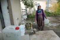 GARIBAN - Yelatan Köy Muhtarı: Vatandaşlar cünüp geziyor