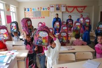 BESLENME ÇANTASI - Ağrı'da Öğrencilere Kırtasiye Seti Dağıtıldı