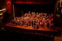 AHMET ATAÇ - 'İki Elin Sesi Var' Mustafa Kemal İçin Sahne Aldı