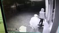 İNEGÖLSPOR - Maskeli, Sopalı Şahıslar İnegölspor'a Saldırdı, O Anlar Kameraya Yansıdı