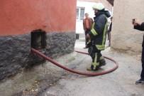 KAVAKLı - Metruk Binada Yangın