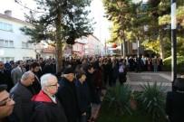 KAZıM KURT - Odunpazarı Belediyesi Ata'sını Unutmadı