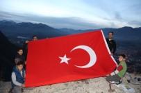 HALITPAŞA - Oltu Semalarına Dev Türk Bayrağı Astılar