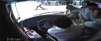 DAYAK - (Özel Haber ) Otobüs Şoförüne 'Akbil' Dayağı Kamerada