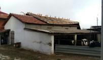 ŞİDDETLİ LODOS - (ÖZEL) Tekirdağ'da Şiddetli Lodos Çatıyı Uçurdu