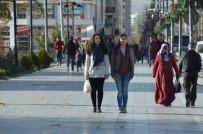 GARNIZON KOMUTANLıĞı - Sivas'ta Saat 09.05'De Hayat Durdu