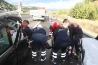 İZZET BAYSAL DEVLET HASTANESI - Uyuyan Sürücü TIR'a Arkadan Çarptı Açıklaması 2 Yaralı