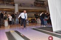 KİMSESİZ ÇOCUKLAR - Vali Çakacak'ın Down Sendromlu Çocuklarla Bowling Keyfi
