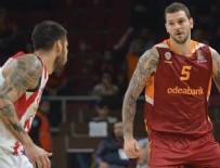 LUKAS PODOLSKI - Galatasaray ilk galibiyetini aldı
