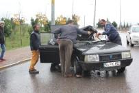 YENIKENT - Kocaeli'de Trafik Kazası Açıklaması 1 Yaralı