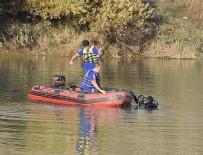 DALGIÇ POLİS - Nehre düşen koyununu kurtaran çoban boğuldu