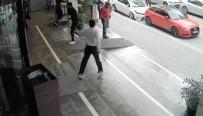 OTOPARK GÖREVLİSİ - Otopark Görevlisine Kızan Şahıslar Terör Estirdi