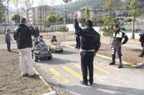 TRAFİK TESCİL - Polisten İşaret Diliyle Trafik Eğitimi