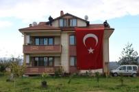 İSMAİL KARAKULLUKÇU - Şehit Kaymakam Safitürk'ün Evine Ateş Düştü