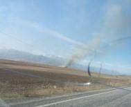 ANIZ YANGINI - Yüksekova'da Anız Yangını