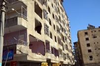 ÇÖKME TEHLİKESİ - Bağlar'daki Patlamada Hasar Gören Evlerinin Yıkılmasını İstiyorlar